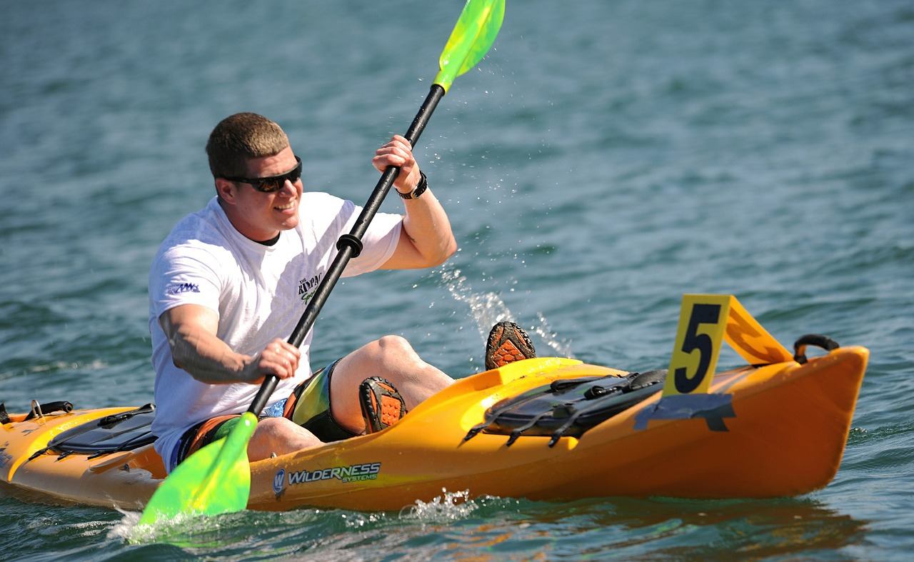 kayaking-569282_1280