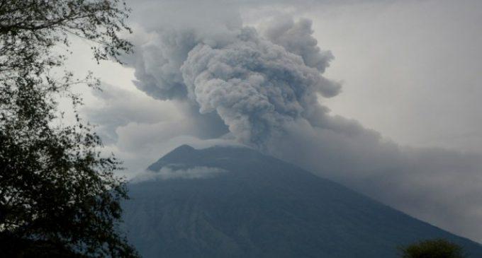 Abu Vulkanik Gunung Agung Diprediksi Mengarah ke Banyuwangi