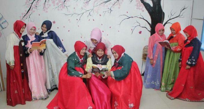 Sudah Pernah Coba Hanbok di Banda Aceh? Pakaian Tradisional Masyarakat Korea yang Makin Diminati