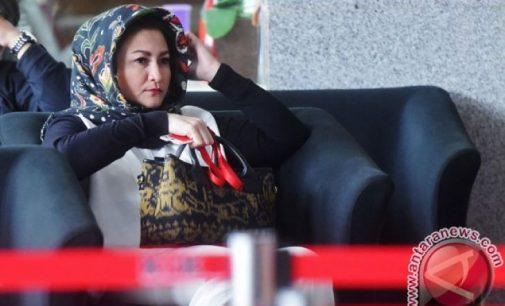 KPK Periksa Istri Setya Novanto Sebagai Saksi Untuk Fredrich
