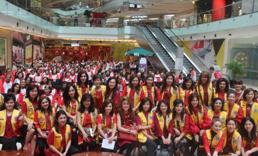 Lions Club Surabaya Shining Samburt Imlek Dengan Baksos Bagi Sembako dan Pengobatan Gratis di Grand City Mall