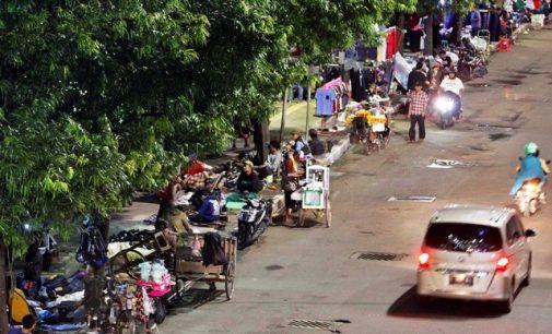 Trotoar Jakarta Semakin Semrawut