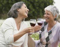 Rahasia Tetap Fit di Usia 90: Alkohol Lebih Ampuh Daripada Olahraga
