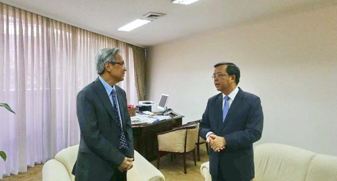 中国驻东盟大使黄溪连  新任东盟副秘书长阿拉丁·里诺
