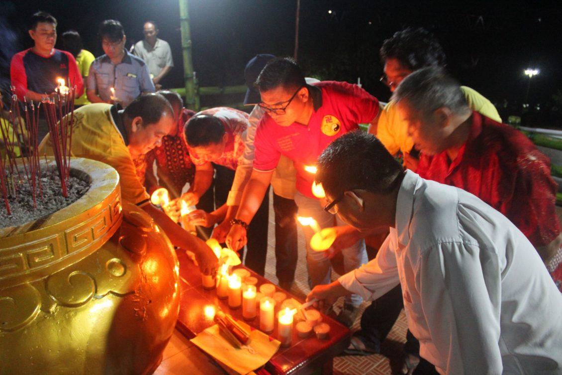 1000 Lilin Terangi Vihara Tri Dharma Buddha Sebangkau